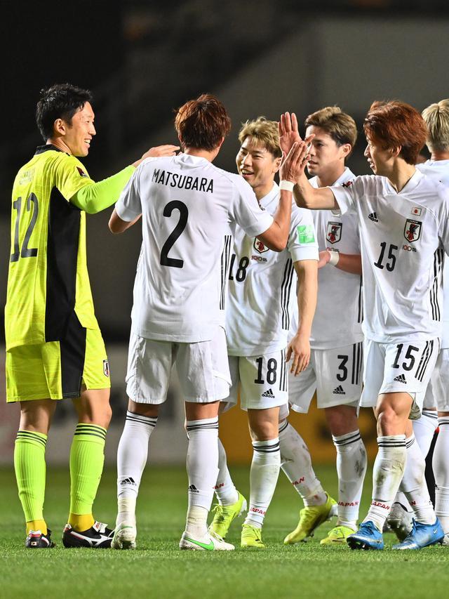 Selebrasi Pemain Jepang saat Lumat Mongolia (AFP/CHARLY TRIBALLEAU)