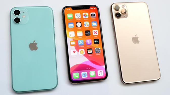 The sighting of the Apple iPhone 11 (left) and iPhone 11 Pro (right), as shown in the Steve Jobs theatre in Cupertino, California, United States, Tuesday (10/9/2019). The sales of iPhone 11, iPhone 11 Pro and iPhone 11 Max Pro is on Friday, 20. September, 2019. (Justin Sullivan/Getty Images/AFP)