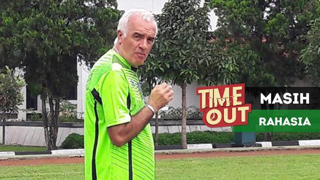 Pelatih Persib Bandung, Roberto Carlos Mario Gomez memastikan pada Januari 2018, tim Maung Bandung akan kedatangan tiga pemain baru.