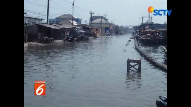 Kali ini banjir lebih parah karena volume air semakin tinggi antara pagi dan sore hari atau saat air laut pasang.