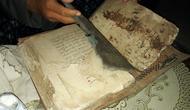 Alquran kuno tulis tangan peninggalan pasca-Perang Diponegoro berusia setidaknya 147 tahun. (Foto: Liputan6.com/Muhamad Ridlo)