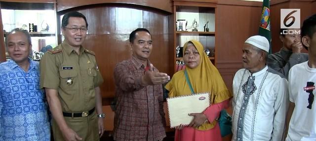 Setelah 3 tahun tanpa kejelasan, keluarga TKI di Bandung Barat akhirnya mendapat santunan dari majikannya di Hong Kong.