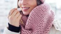 Ilustrasi bibir kering pakai lip balm (iStockphoto)