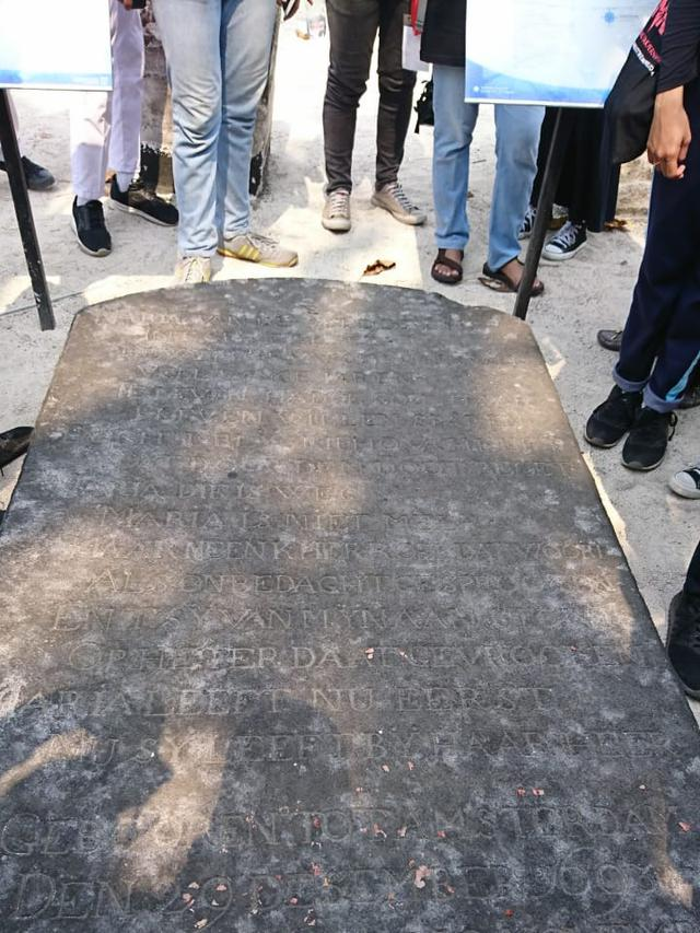 Puisi Kematian Maria van de Velde di Tengah Pemakaman Pulau Onrust