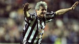 1. Kevin Keegan (1982/84), pada penghujung kariernya striker andalan Inggris itu berhasil membawa Newcastle promosi ke kasta tertinggi di Liga Inggris. (www.whoateallthepies.tv)