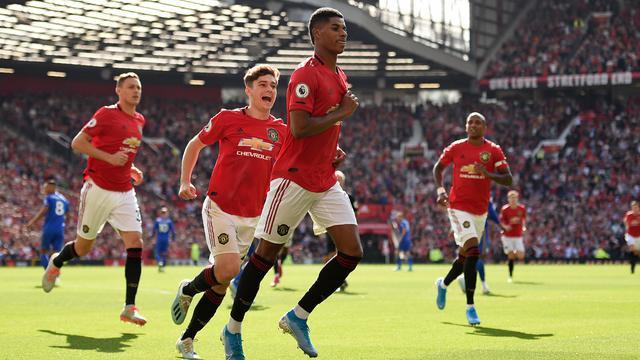 Membayangkan Line-Up Manchester United Dengan 8 Pemain Bidikan