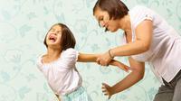 Hukuman dalam bentuk pukulan justru akan merugikan orangtua sendiri di masa akan datang.