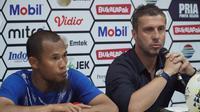 Kapten Persib Supardi Nasir dan pelatih Miljan Radovic pada konferensi pers usai laga melawan Persebaya Surabaya. (Liputan6/Huyogo Simbolon)