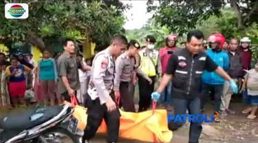 Seorang remaja berusia 16 tahun di Banjar, Jawa Barat, bunuh temannya sendiri. Kepada polisi, dirinya tega melakukan perbuatan tersebut lantaran mengincar motor korban.