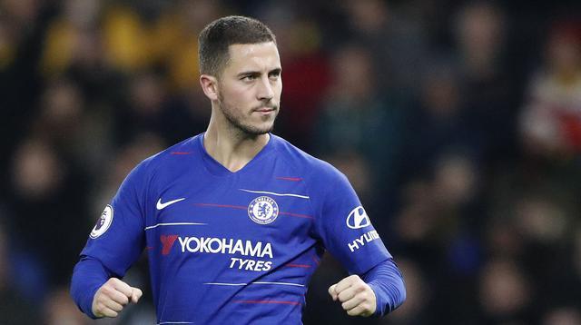 Pemain Chelsea, Eden Hazard, melakukan selebrasi usai membobol gawang Watford pada laga Premier League di Stadion King Power, Rabu (26/12). (AP/Frank Augstein)
