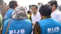 Presiden Joko Widodo (Jokowi) saat tiba di Bandara Internasional Jawa Barat (BIJB) Kertajati, Majalengka, Kamis (24/5). Kedatangan Presiden bersama rombongan dalam rangka kunjungan kerja di Jawa Barat selama dua hari. (Liputan6.com/Pool/Setpres)