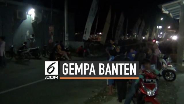 Getaran gempa Banten Magnitudo 6,9 sampai ke kabupaten Pangandaran Jawa Barat. Warga sempat panik, berlari mencari tempat perlindungan karena takut tsunami.