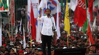 Capres nomor urut 01, Jokowi menggelar kampanye terbuka yang dihadiri ribuan pendukungnya di Stadion Sriwedari Solo, Selasa (9/4).(Liputan6.com/Fajar Abrori)