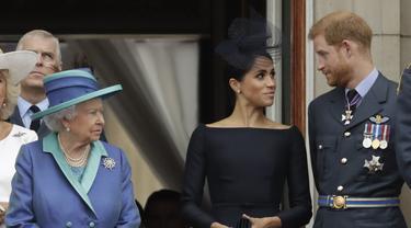 Pangeran Harry, Meghan Markle, dan Ratu Elizabeth II. (AP Photo/Matt Dunham, File)