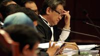 Dalam persidangan Jumat (8/8/14), tim Prabowo-Hatta menyatakan keberatan dengan dokumen tentang pembukaan kotak suara yang disampaikan termohon, KPU. (Liputan6.com/Johan Tallo)