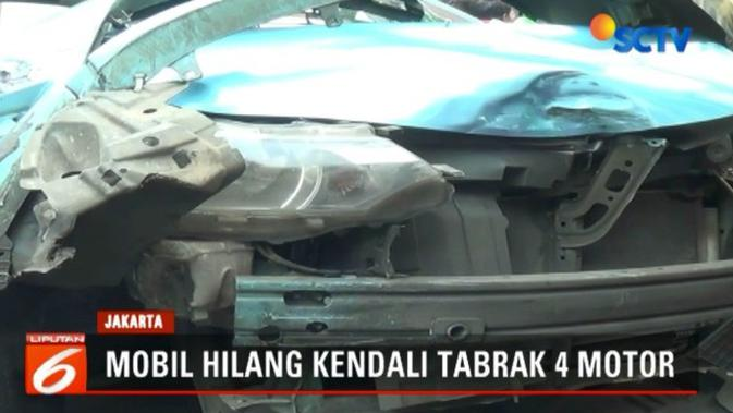 Minibus Tabrak Taksi Dan Pengendara Motor Di Jakpus 2 Orang Terluka