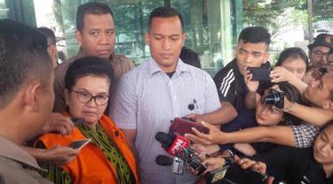 Mantan Menkes Siti Fadilah Supari Ditahan KPK