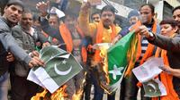 Masyarakat India Melakukan Aksi Anti-Pakistan, Menyusul Serangan Teror yang Menewaskan 40 Personil (AFP Photo)