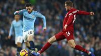 Gelandang Manchester City, Bernardo Silva, turut berkontribusi membawa timnya meraih kemenangan 2-1 atas Liverpool pada laga pekan ke-21 Premier League di Stadion Etihad, Kamis (3/1/2019). (AP Photo/Dave Thompson)
