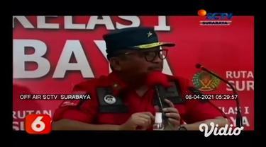 Guna mencegah peredaran narkotika dan barang terlarang di dalam Lapas dan Rutan Kanwil Kemenkumham Jawa Timur. Petugas gabungan menggelar razia serentak di 39 Lapas dan Rutan se Jawa Timur.