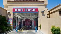 Beberapa fitur pintar mobil sebaiknya dimatikan di pencucian otomatis.(Carscoops)