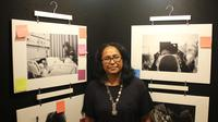 Margareth Horhoruw mengangkat kisah pasien kanker payudara dalam karya fotonya.