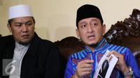 Ustaz Zacky Mirza memberi keterangan pers terkait masalah rumah tangganya dengan Shinta Tanjung. [Foto: Herman Zakharia/Liputan6.com]