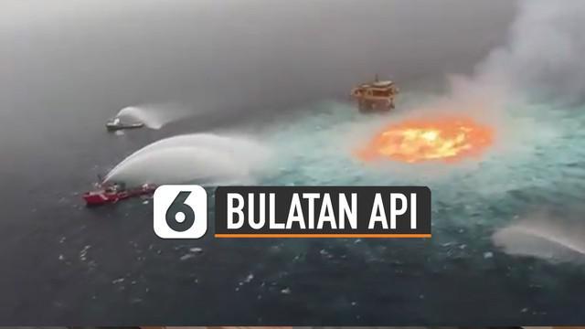 Video penampakan bulatan api di tengah laut terjadi di permukaan laut sebelah barat Semenanjung Yucatan, Meksiko.