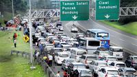 Hingga siang ini kawasan wisata Puncak Bogor, Jawa Barat mencapai 8 Kilometer.
