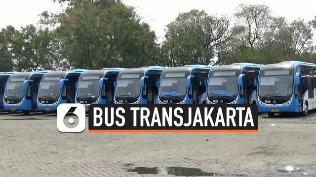 Bus TransJakarta yang dioperasikan oleh Perum PPD bermerek Zhongtong kembali beroperasi di Jakarta.