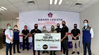 Asosiasi Pesepak Bola Profesional Indonesia menyalurkan 1.500 Alat Pelindung Diri (APD) untuk membantu tim medis dalam menangulangi pandemi virus corona. (dok. APPI)