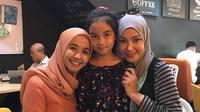 Laudya Cynthia Bella bersama Engku Aleesya dan Erra Fazira.