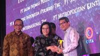 Penghargaan Adaro dari Menteri Keuangan Sri Mulyani