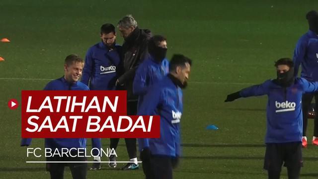 Berita video Lionel Messi dan Barcelona tetap berlatih di tengah badai Gloria yang telah memakan 4 korban jiwa.