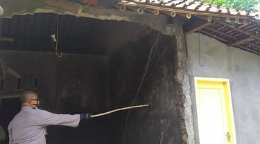 Sebanyak 710 orang di Purbalingga, Jawa Tengah diungsikan karena terjadi gerakan tanah yang merusak rumah dan berbahaya. (Foto: Liputan6.com/Rudal Afgani Dirgantara)