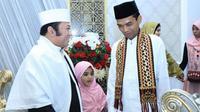 Bupati Lampung Selatan Zainudin Hasan bersama Ustadz Abdul Somad (Sumber: @bangzainhs)