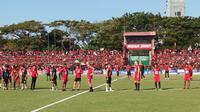 Skuat PSM di Stadion Andi Mattalatta Mattoangin, Makassar, setelah PSSI memutuskan menunda duel leg kedua Piala Indonesia 2018 kontra Persija, Minggu (28/7/2019). (Bola.com/Abdi Satria)