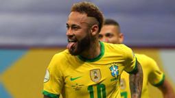 Neymar merupakan pemain Brasil terbaik pada ajang ini. Berkat jasanya, Selecao berhasil sampai di partai puncak turnamen Copa America 2021 walau harus kalah dari Argentina. Ia tercatat telah mencetak dua gol dan tiga assist. (Foto: AFP/Nelson Almeida)