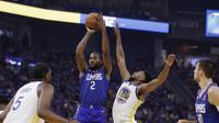 Kawhi Leonard (no 2) memimpin Clippers menghajar Warriors pada lanjutan NBA (AP)