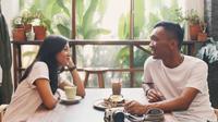 Cerita Pasangan Bertemu di Tinder, Ternyata Tetanggaan dan Berakhir di Pelaminan. foto; dok. Tinder