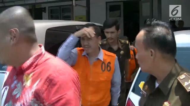 Dua direktur sebuah BUMD di Temanggung, Jawa Tengah jadi tersangka kasus korupsi. Negara dirugikan sekitar Rp 103 miliar.
