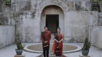 Proses prewedding Kahiyang Ayu dan Bobby Nasution dalam balutan pakaian adat. (Sumber foto: Instagram/allseasonsphoto)