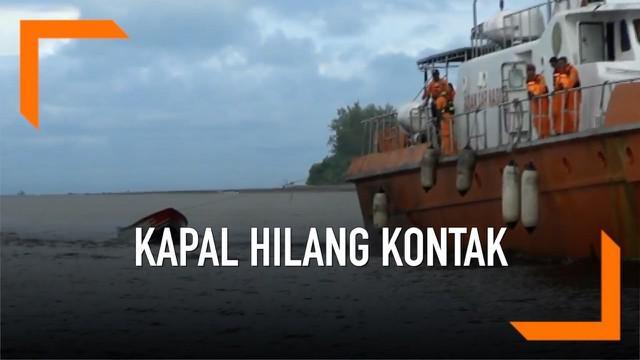 Pencarian longboat yang sempat hilang kontak sejak Jumat (10/5) berakhir. Longboat berpenumpang 32 orang itu ditemukan oleh kapal nelayan. Seluruh penumpang dalam keadaan selamat.