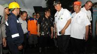 Gubernur Jawa Barat Ahmad Heryawan menyarakan Pemda Bekasi membangun kolam retensi  untuk antisipasi jika terjadi bencana banjir.