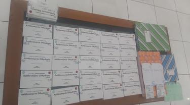 Temuan apotek nakal yang menjual obat Covid-19 di atas HET di Grobogan. (Foto: Liputan6.com/Felek Wahyu)