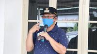 Perwal tersebut berisi tentang karantina kesehatan dengan melaksanakan cluster isolation serta wajib menggunakan masker bagi siapa saja yang berada di Kota Medan saat di luar rumah.