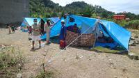 Pengungsi gempa Sulbar di Kecamatan Simboro, Mamuju, Sulawesi Barat. (Istimewa)