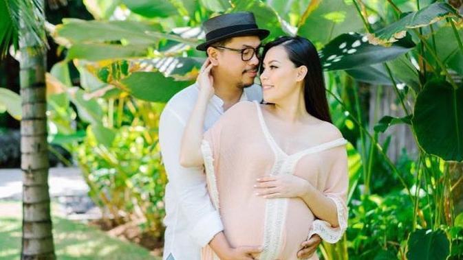 Sammy Simorangkir dan Viviane. [foto: Instagram/sammysimorangkir]