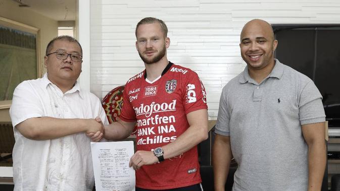 Penyerang asal Belanda, Melvin Platje, resmi berseragam Bali United dan akan mulai berkiprah di Liga 1 2018 pada putaran kedua. (Dok. Bali United)