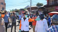 Wali Kota Manado GS Vicky Lumentut saat meninjau pelaksnaaan rekayasa di Pasar Pinasungkulan Manado, Selasa (26/5/2020).